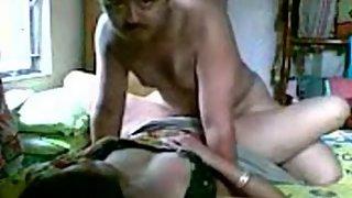 Mature karachi wife fucked by her man in bedroom