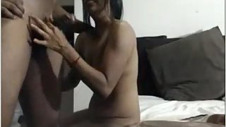 Attractive Hot Desi Bhabhi Porn MMS