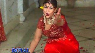 Mature tawaif dancing