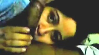 Indian bhabhi giving very hot blowjob