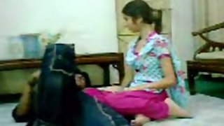 Pakistani college girl desperate to get fuck by her boyfriend