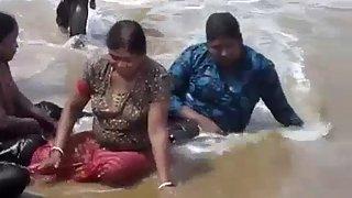 mumbai hookers on juhu chaupati enjoying day out